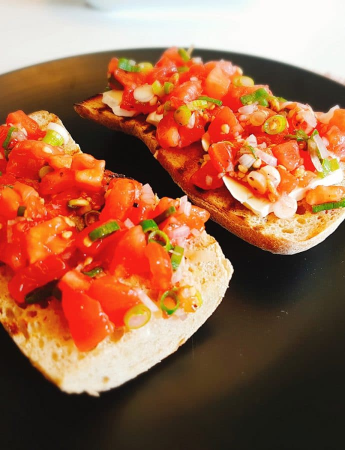 Bruschetta with tomatoes and camembert