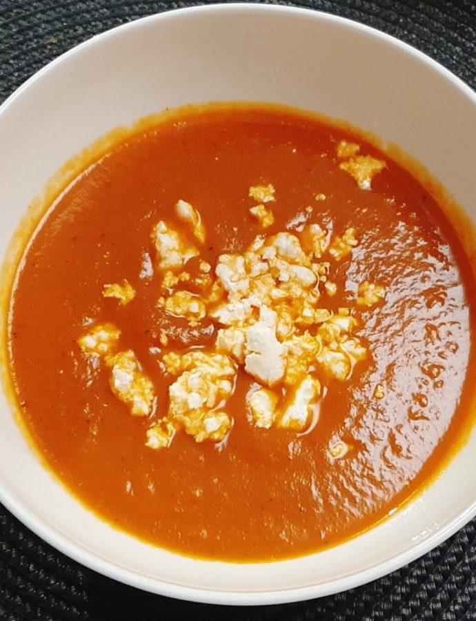 Zupa z pieczonej papryki i bakłażana